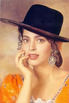 Teen Celebrities, Hollywood Celebrities, Most Beautiful Indian Actress, Beautiful Actresses, Juhi Chawla, Bollywood Posters, Hollywood Model, Vintage India, Bikinis For Teens
