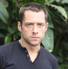 Richard Rankin, Character Bank, Drums Of Autumn, Scottish Actors, R Image, Casting Pics, Character Inspiration, Character Ideas, Female Images