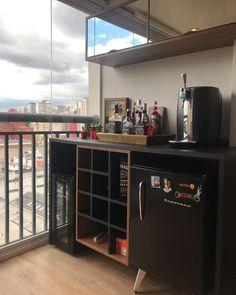 Home Wine Cellars, Modern Home Bar, Coffee Bar Home, Gamer Room, Cafe Bar, Bars For Home, House Plans, Sweet Home, Room Decor