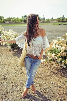 The HONEYBEE // Boyfriend Jeans and Crochet Top   #Summerstyle