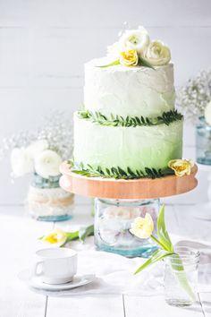 Свадебный торт Амбре / оформление сырным кремом / Wedding cake Ombre www.tiramisucake.ru
