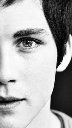I luv his eyes!!!