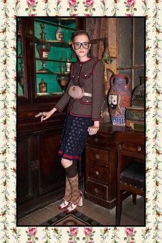 Gucci Pre-Fall 2017 Collection Photos - Vogue Look Fashion 2017, Look Fashion, Couture Fashion, Retro Fashion, Runway Fashion, High Fashion, Fashion Show, Autumn Fashion, Gucci Pre Fall 2017