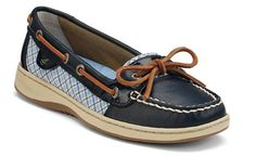 Sperry Top-Sider Women´s Angelfish Boat Shoes Hailey wants some like these for school. Sperry Boat Shoes, Sperry Top Sider Shoes, Sperry Top Sider Angelfish, Expensive Shoes, Buy Shoes, Beautiful Shoes, Shoes Online, Sperrys, Rain Boots