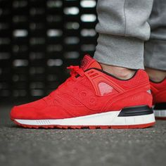 Saucony Grid SD: Solar Red