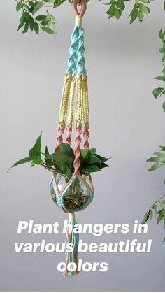 Crochet Plant Hanger, Macrame Plant Hanger Patterns, Macrame Wall Hanging Diy, Macrame Plant Holder, Macrame Plant Hangers, Macrame Art, Macrame Design, Macrame Projects, Macrame Patterns