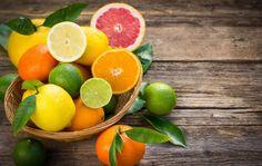 Hoe kan ik het 'vettig' laagje van citrusvruchten verwijderen?