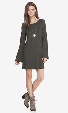 MARLED GREEN BELL SLEEVE TRAPEZE DRESS
