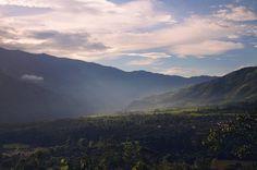 Bomboná sunset. The #fog and the #light play in the sunset through the valley.  Atardecer en #Bomboná. La niebla y la luz juegan en el atardecer a través del valle.       @idpacifico @idcolombia @idlatino @pasto_narino_colombia @san_juan_de_pasto_narino @narinoturismo @corazon_de_pasto_ @waycorigen @pasto_narino @turismonarino @yo.soy.pasto @turismopasto @estoespasto @lauralloyd_e @gobernaciondenarino @greatcolombia @colombia_greatshots   Lugar  #Nariño #colombia #igerscolombia #ig_colombia…