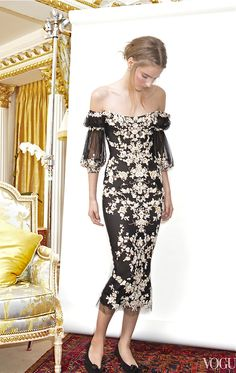 Marchesa - off the shoulder with a unique sleeve detail. Love Fashion, High Fashion, Womens Fashion, Fashion Design, Style Fashion, Beautiful Gowns, Beautiful Outfits, Tilda Lindstam, Lace Dress