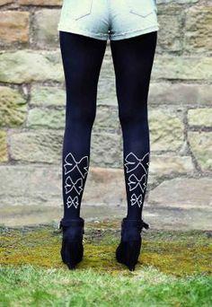 Dress Your Legs: Scottish Fashion / scottishfashion.co.uk