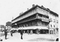 Café Meran im Eisernen Haus, vor 1889. Südtirolerplatz, Graz. Vintage Travel, Louvre, Street View, History, Building, Graz, Old Pictures, House, Buildings