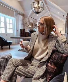 Business-Chic-Anzug , Outfits 2019 Outfits casual Outfits for moms Outfits for school Outfits for teen girls Outfits for work Outfits with hats Outfits women Office Fashion, Work Fashion, Women's Fashion, Fashion Women, Lawyer Fashion, Business Suit Women, Business Casual Fashion, Fashion Belts, High Fashion