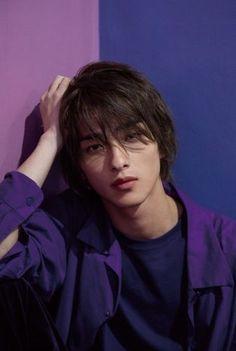 Short Hair Japanese, Cute Japanese Guys, Girl Japanese, Cute Asian Guys, Cute Korean Boys, Asian Boys, Asian Men, Cute Boys, Handsome Men Quotes