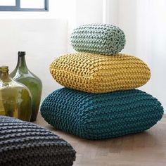 A irlandesa Claire Anne O'Brien é uma famosa designer têxtil que atende em Londres.  Com uma abordagem escultural do tricot, Claire-Anne explora construção, forma e escala através das propriedades únicas de tecidos de malha.  Sua coleção de móveis apre ...
