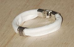 Biała jeansówka z klamrą White jeans bracelet with a buckle White Jeans, Bracelets, Cotton, Bracelet, Arm Bracelets, Bangle, Bangles, Anklets