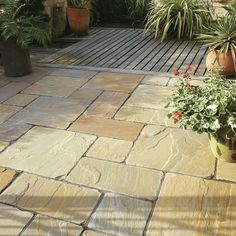 Discover all the information about the product Outdoor tile / garden / for floors / engineered stone ANTIQUE NATURAL SANDSTONE - BRADSTONE and find where you can buy it. Outdoor Stone, Outdoor Tiles, Outdoor Rooms, Outdoor Living, Outside Flooring, Outdoor Flooring, Garden Deco, Sandstone Paving, Bluestone Pavers