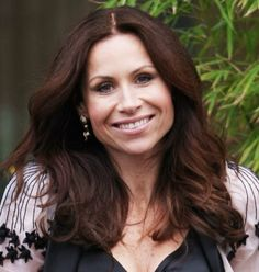 Minnie Driver: Hair down vs. Hair back