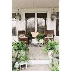 38 Great Farmhouse Porch Ideas To Modify Your Ordinary Porch – Trendehouse - Porch Decorating Porche Shabby Chic, Summer Front Porches, Pergola With Roof, Pergola Shade, Outdoor Pergola, Pergola Ideas, Pergola Plans, Sunroom Ideas, Pergola Swing
