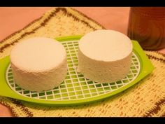 Queso y productos lácteos. Cheese and dairy products Making Cheese At Home, How To Make Cheese, Queso Cheese, Wine Cheese, Kombucha, Artisan Cheese, Homemade Cheese, Vegan Cheese, Charcuterie