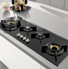 ASKO cooktops are sophisticated, smart, elegant and unique in terms of design, features and usability. Explore all the cooktop products at ASKO. Kitchen Hob, Modern Kitchen Cabinets, Kitchen Corner, Kitchen Items, Kitchen Furniture, Kitchen Appliances, Black Kitchens, Luxury Kitchens, Cool Kitchens