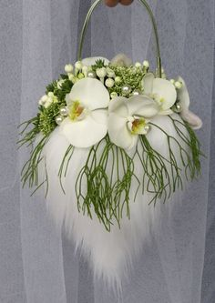 A stylish and refreshing alternative to the original bridal bouquet Created with Bolsa Flora IV www.bolsaflora.com