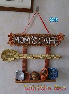 Newspaper weaving art for kitchen - Simple Craft Ideas - Newspaper Crafts Diy Crafts For Home Decor, Diy Crafts Hacks, Diy Crafts For Gifts, Diy Arts And Crafts, Diy Room Decor, Easy Crafts, Art N Craft, Craft Stick Crafts, Craft Ideas