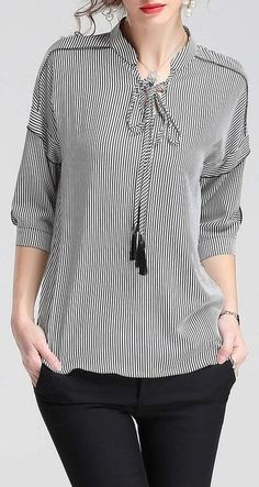 42 Shirts Blouses For School - Daily Fashion Outfits Modest Fashion, Hijab Fashion, Trendy Fashion, Fashion Dresses, Trendy Style, Daily Fashion, Blouse Styles, Blouse Designs, Hijab Stile