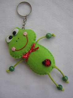 Piper y Pete por braidcraft en Etsy Fabric Crafts, Sewing Crafts, Sewing Projects, Felt Keychain, Keychains, Felt Bookmark, Frog Crafts, Crafts For Kids, Arts And Crafts