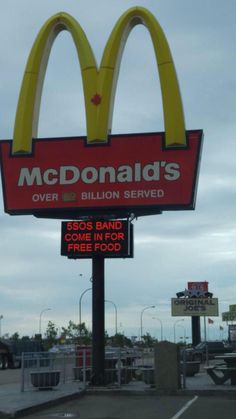 If 5sos was in town and I worked at McDonald's. I would SO do this lol >>> I wonder if it actually worked?