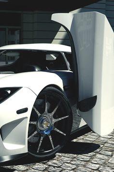 "drugera: ""Koenigsegg CCX"""