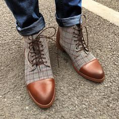 British Plaid Lace Up Pointed Casual Martin Boots Rugged Style, Casual Leather Shoes, Casual Shoes, Casual Boots For Men, Stylish Boots, Dress Casual, Style Brut, Men's Style, Mens Boots Fashion