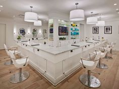 NYC Hair Salons: Because No One Likes a Hotel Blow Dryer : Condé Nast Traveler