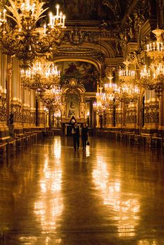 Le Grand Foyer de l'Opéra Garnier by Bee.girl, via Flickr