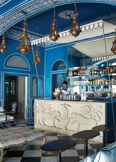 Located within the Narain Niwas Palace Hotel in Jaipur, India is what might be the most visually delightful restaurant and bar in the world. Bar Palladio, designed by Dutch designer and Tocca founder Marie-Anne Oudejansis,… Restaurant Indien, Deco Restaurant, Restaurant Design, Restaurant Interiors, Hotel Interiors, Design Hotel, Bar Interior, Luxury Interior, Interior Ideas