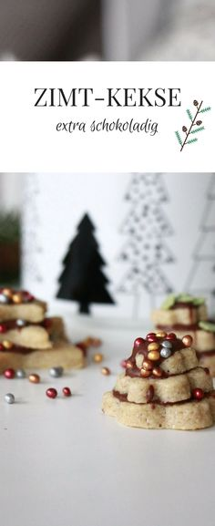 Terrassenplätzchen Rezept: Dieses Zimtkekse Rezept ist ein richtig leckeres Weihnachtsplätzchen Rezept. Die Mürbeteigplätzchen mit Zimt werden mit Schokolade geschichtet und ergeben dadurch kleine Tannenbaum Plätzchen. Die Kombination aus Zimt und Schokolade ist richtig lecker. Die Zimtplätzchen sind schneller weg als man gucken kann.