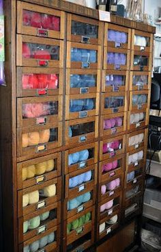 New Ideas craft storage ideas yarn display New Crafts, Home Crafts, Knitting Room, Knitting Yarn, Knitting Storage, Knitting Ideas, Knitting Projects, Sewing Projects, Yarn Display