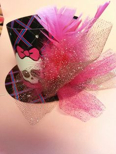 Monster High Birthday Party Paper Hats. Party Supplies/Favors    height: 3 inch  width: 5 inch   **copyright : All copyrights and trademark of