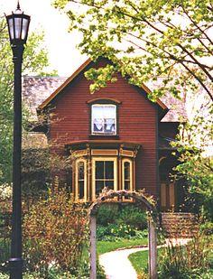 Folk Victorian house - Evanston, IL (Dave's Victorian House Site - Evanston Gallery)