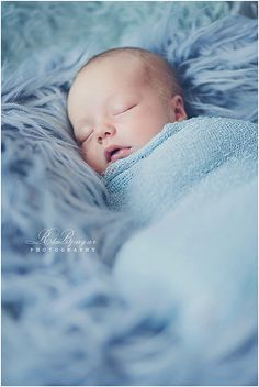 Beauty nap by Rán Bjargar Photography.