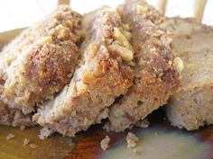 Plan to Eat - Grain-free Banana Bread with Walnut Crumble Topping - daniellecyrus Healthy Dessert Recipes, Gluten Free Desserts, Real Food Recipes, Yummy Food, Hcg Recipes, Yummy Treats, Healthy Food, Sweet Treats, Healthy Eating