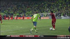 sport.photo.collections: truly believe this is the funniest soccer GIF of t...