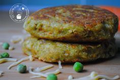 Groenteburgers met kaas Top Recipes, Clean Recipes, Vege Burgers, Vegetarian Recipes, Healthy Recipes, Vegan Meals, Happy Foods, Falafel, Soul Food