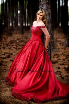 This is the dress! Except I'd either have it in silver or dark blue.