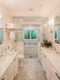 coastal bathroom wit