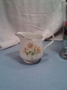 Ekco International FLORAL GENERATION Creamer EXCELLENT CONDITION FREE SHIPPING #EkcoInternational