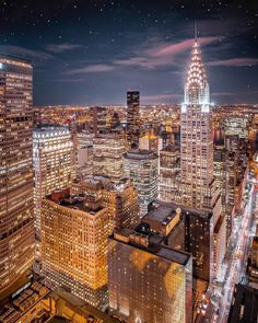 Beautiful New York Photos City Lights At Night, Night City, New York Pictures, New York Photos, Autumn In New York, City Aesthetic, Dark City, City Wallpaper, Chrysler Building