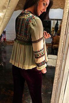 Pakistani Fashion Casual, Pakistani Dress Design, Boho Fashion, Modest Fashion, Balochi Dress, Choli Dress, Hand Embroidery Dress, Embroidery Fashion, Afghan Clothes