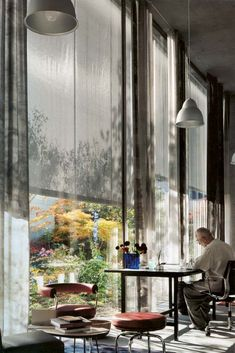 Residência e Estúdio\ Suíça (Haldenstein). Peter Zumthor\ Home and Office of Peter Zumthor. Peter Zumthor, Architecture Ombre, Interior Architecture, Interior And Exterior, Interior Garden, Home Design, Interior Design, Interior Modern, Modern Decor