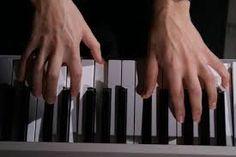 13- En la actualidad estudio Lenguaje musical y Piano, toco la guitarra y pertenezco a un grupo familiar musical llamado Ibia´s Moon. Además ha nacido EveMoonBlue y pretendo explorar más ese personaje en mi.